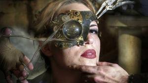 Steampunk lady with mechanical eye