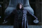 Van Helsing withsaws