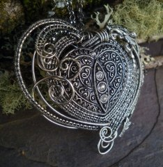 TwistedSisterArts via Etsy