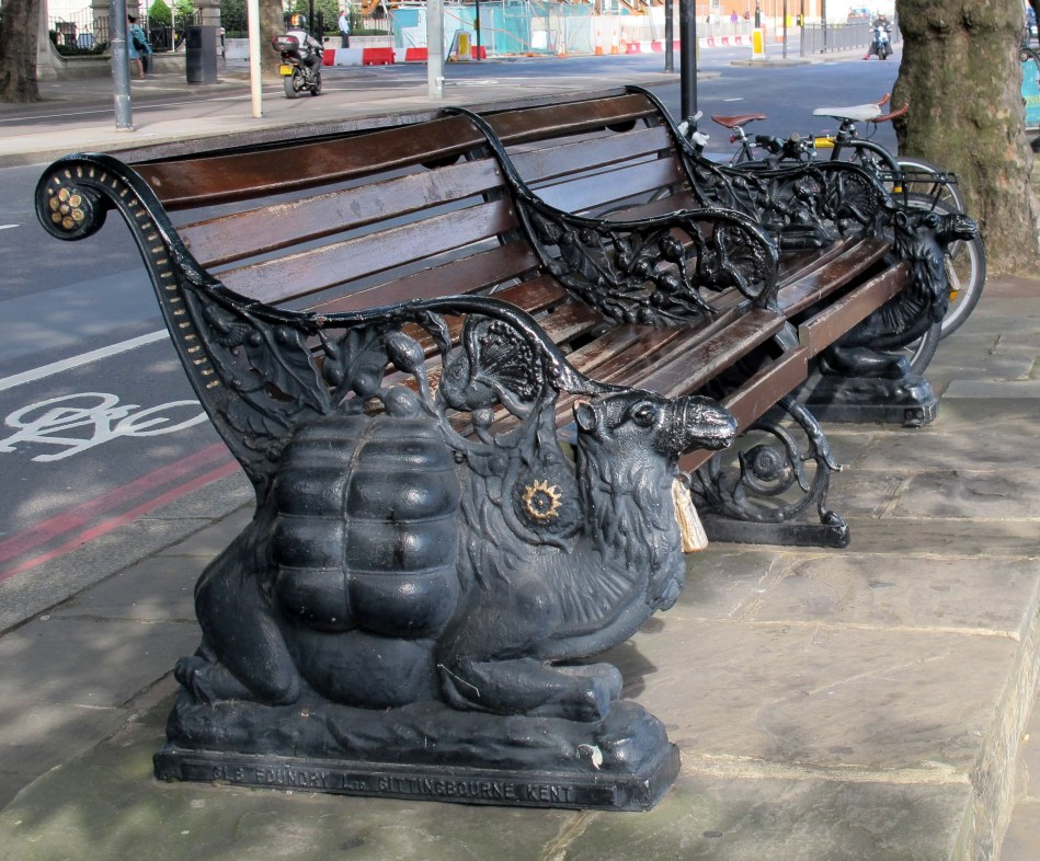 Camel benches along the Thames