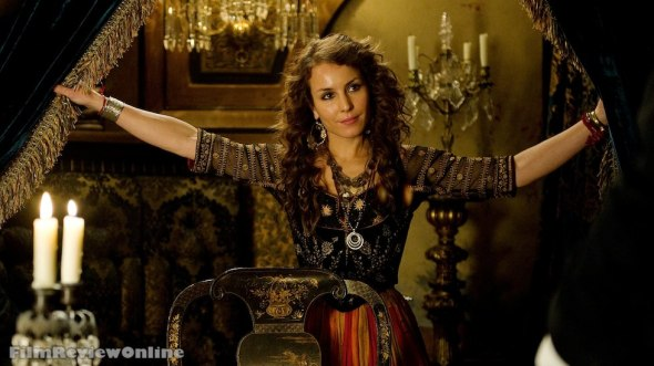Sherlock Holmes: A Game of Shadows - Madam Simza Heron (Noomi Rapace) © 2011 Warner Bros