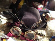 halloween_2011__steampunk_goggles_and_bowler_hat_by_jujufei-d4kzdj6