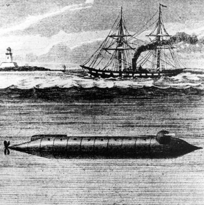 First submarine alligator